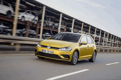 2017 Volkswagen Golf ( VII ) TSI 1
