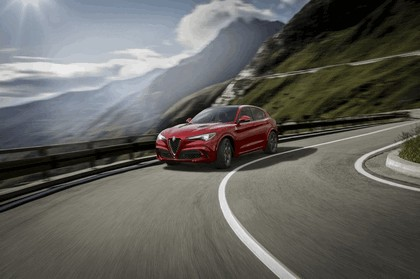 2018 Alfa Romeo Stelvio Quadrifoglio 5