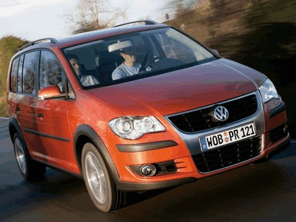 2007 Volkswagen CrossTouran TSI 8