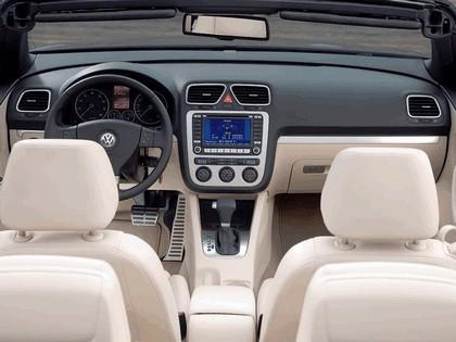 2007 Volkswagen EOS V6 31