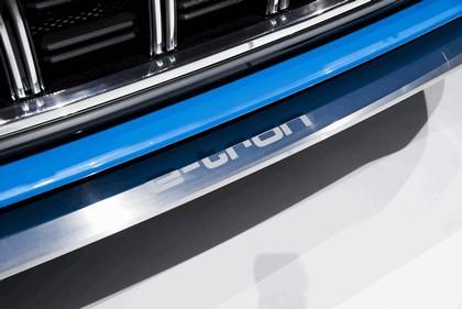2017 Audi Q8 concept 27