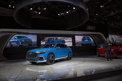 2017 Audi Q8 concept 35