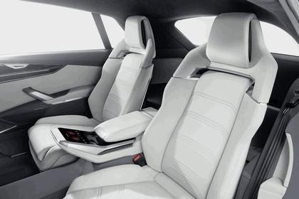 2017 Audi Q8 concept 39