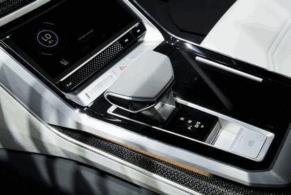 2017 Audi Q8 concept 44