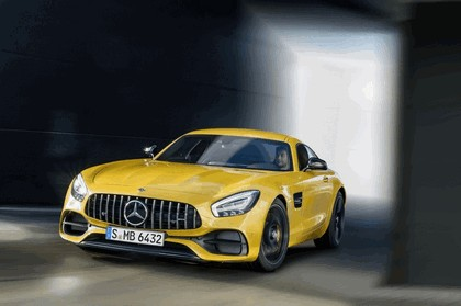 2017 Mercedes-AMG GT S 2