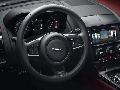 2017 Jaguar F-type R coupé 11
