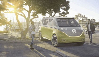 2017 Volkswagen I.D. BUZZ concept 2