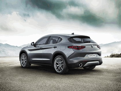 2017 Alfa Romeo Stelvio First Edition 3