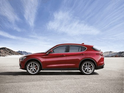 2017 Alfa Romeo Stelvio First Edition 8