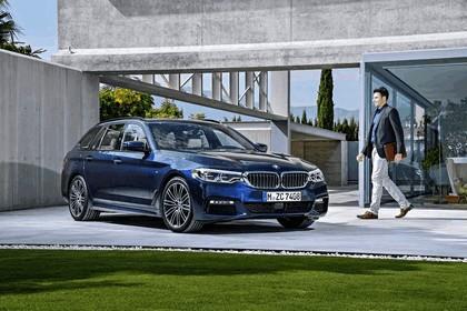2017 BMW 530d xDrive Touring 4