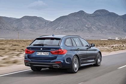 2017 BMW 530d xDrive Touring 32