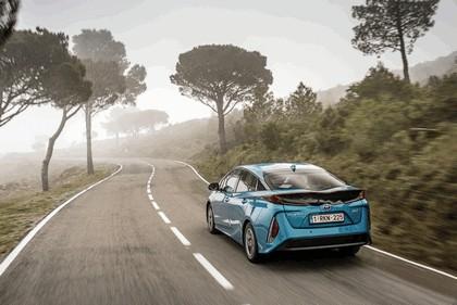 2017 Toyota Prius Plug-in Hybrid 5