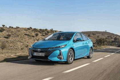 2017 Toyota Prius Plug-in Hybrid 10