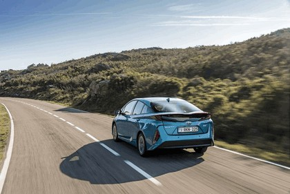 2017 Toyota Prius Plug-in Hybrid 20