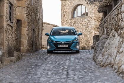 2017 Toyota Prius Plug-in Hybrid 26