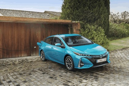 2017 Toyota Prius Plug-in Hybrid 35