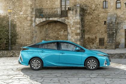 2017 Toyota Prius Plug-in Hybrid 42