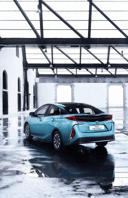 2017 Toyota Prius Plug-in Hybrid 47