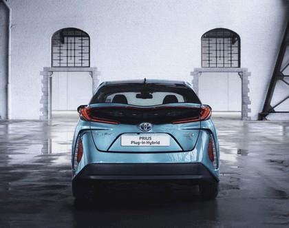 2017 Toyota Prius Plug-in Hybrid 61