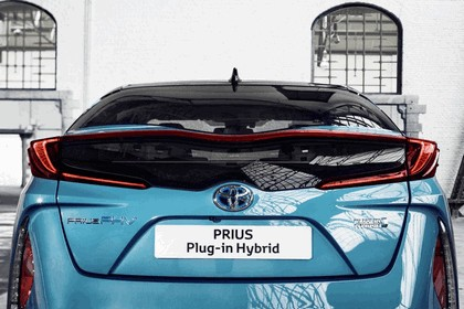 2017 Toyota Prius Plug-in Hybrid 62