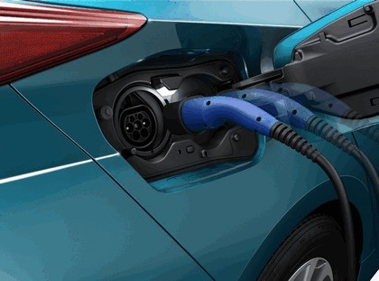 2017 Toyota Prius Plug-in Hybrid 75