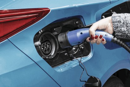 2017 Toyota Prius Plug-in Hybrid 76