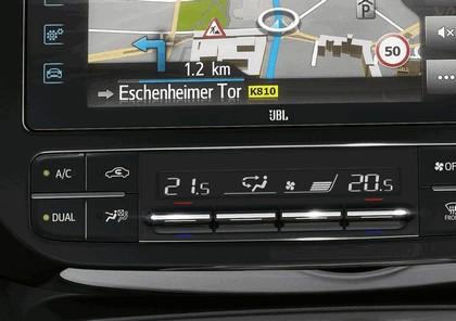 2017 Toyota Prius Plug-in Hybrid 117