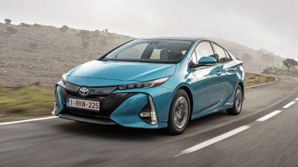 2017 Toyota Prius Plug-in Hybrid 7