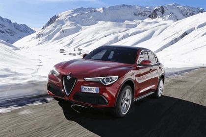 2017 Alfa Romeo Stelvio 26