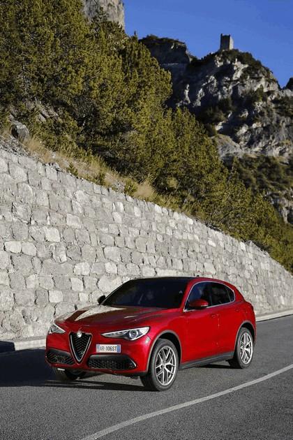 2017 Alfa Romeo Stelvio 40