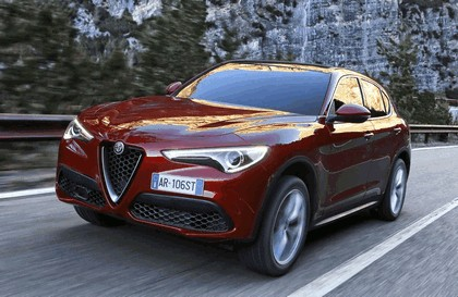 2017 Alfa Romeo Stelvio 47