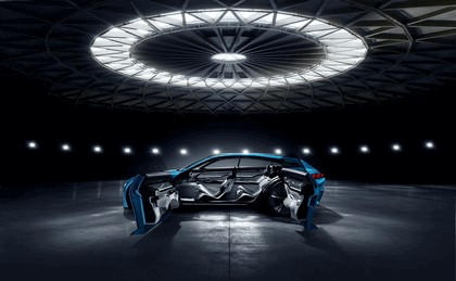 2017 Peugeot Instinct concept 26