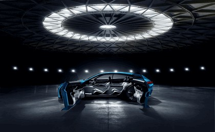 2017 Peugeot Instinct concept 27
