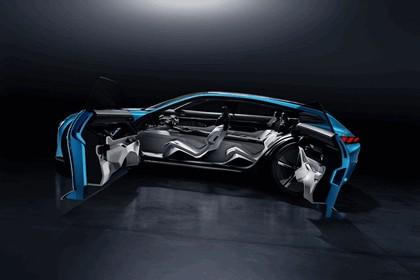 2017 Peugeot Instinct concept 30