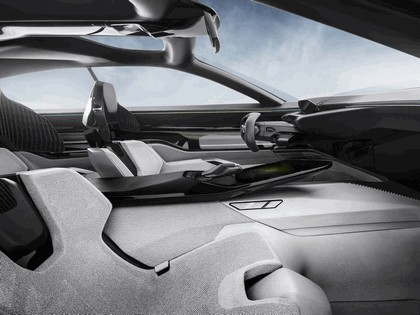 2017 Peugeot Instinct concept 44