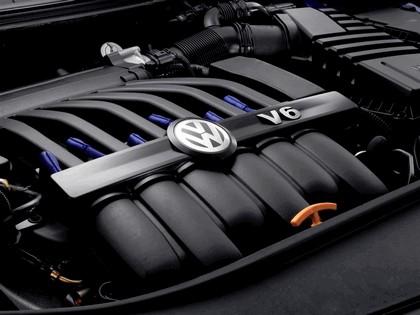 2007 Volkswagen Passat R36 9