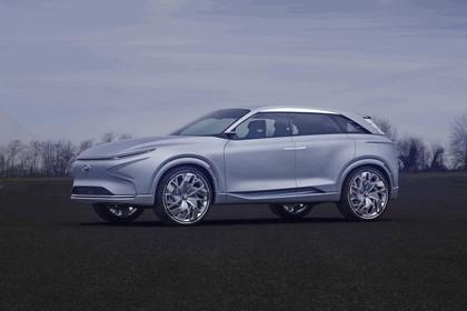 2017 Hyundai FE Fuel Cell concept 4