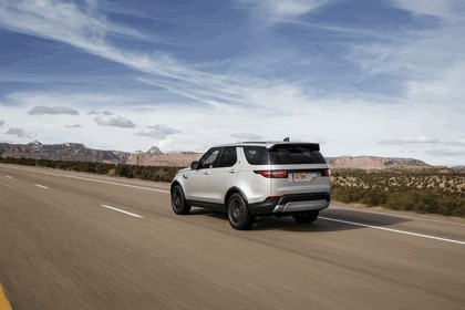 2017 Land Rover Discovery - USA version 11