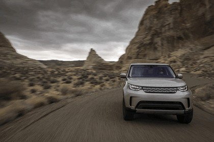 2017 Land Rover Discovery - USA version 12