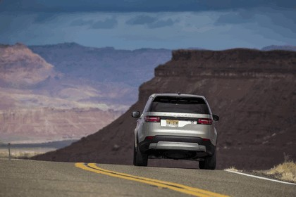 2017 Land Rover Discovery - USA version 17