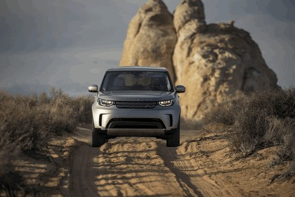 2017 Land Rover Discovery - USA version 21