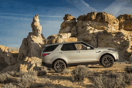 2017 Land Rover Discovery - USA version 25