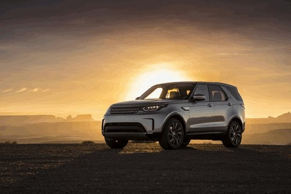 2017 Land Rover Discovery - USA version 38