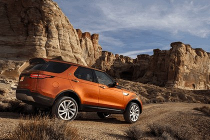 2017 Land Rover Discovery - USA version 65