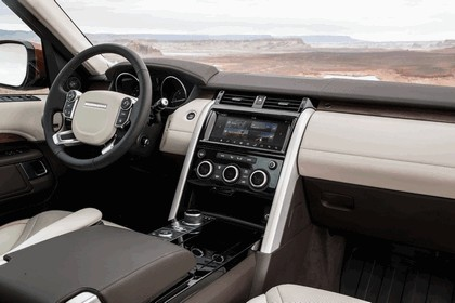 2017 Land Rover Discovery - USA version 70