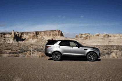2017 Land Rover Discovery - USA version 118