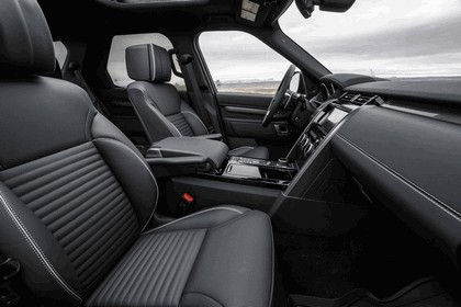 2017 Land Rover Discovery - USA version 126