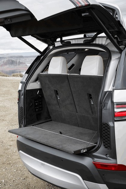 2017 Land Rover Discovery - USA version 131