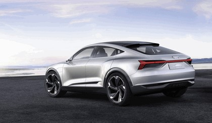 2017 Audi e-tron Sportback concept 2