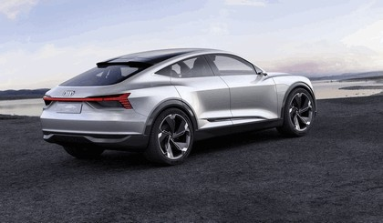 2017 Audi e-tron Sportback concept 5